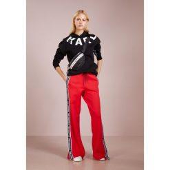 KARL LAGERFELD TERRY Bluza z kapturem black/white. Czarne bluzy rozpinane damskie KARL LAGERFELD, xl, z bawełny, z kapturem. Za 739,00 zł.