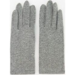 Wełniane rękawiczki - Jasny szar. Białe rękawiczki damskie marki Reserved, l, z dzianiny. Za 49,99 zł.