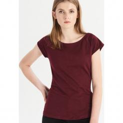 T-shirt basic - Bordowy. Czerwone t-shirty damskie marki Sinsay, l. Za 9,99 zł.