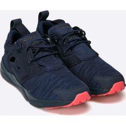 Reebok Classic - Buty. Czarne buty sportowe damskie reebok classic marki Asics, do biegania. W wyprzedaży za 219,90 zł.