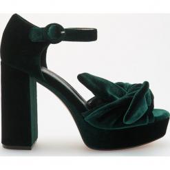 Sandały na platformie - Khaki. Czerwone sandały damskie marki Casu, w ażurowe wzory, na obcasie. Za 159,99 zł.