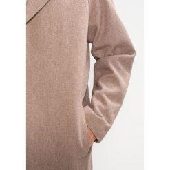 Suit KENDRICK Płaszcz wełniany /Płaszcz klasyczny sand. Szare płaszcze wełniane męskie marki Suit, m, klasyczne. W wyprzedaży za 743,20 zł.