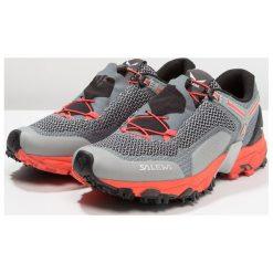 Salewa ULTRA TRAIN 2 Obuwie do biegania Szlak grey/hot coral. Szare buty do biegania damskie Salewa, z materiału. W wyprzedaży za 566,10 zł.