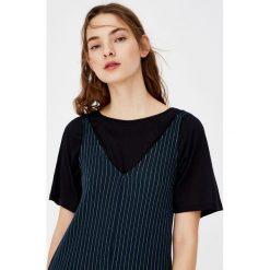 Koszulka basic z raglanowymi rękawami. Szare t-shirty męskie marki Pull & Bear, moro. Za 39,90 zł.