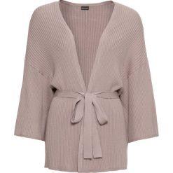 Sweter wiązany kimono bonprix brunatny. Brązowe swetry klasyczne damskie marki bonprix. Za 59,99 zł.