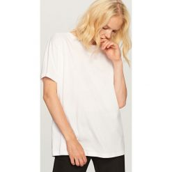 T-shirt Basic - Biały. Białe t-shirty damskie marki Reserved, l, z dzianiny. Za 49,99 zł.