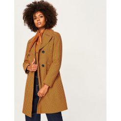 Wzorzysty płaszcz z bawełny - Wielobarwn. Szare płaszcze damskie marki Reserved, z bawełny. W wyprzedaży za 149,99 zł.