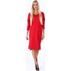 """Sukienka midi z dekoltem""""V"""" czerwona 4016. Czarne sukienki z falbanami marki Fasardi, m, z dresówki. Za 69,00 zł."""