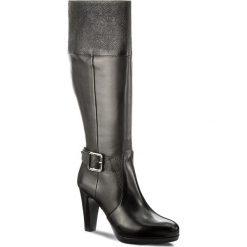 Kozaki TAMARIS - 1-25563-39 Black 001. Czarne kozaki damskie skórzane marki Superfit, przed kolano, na wysokim obcasie. W wyprzedaży za 269,00 zł.