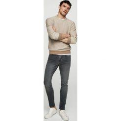Mango Man - Jeansy Jude2. Szare jeansy męskie skinny marki Mango Man. W wyprzedaży za 99,90 zł.