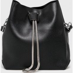 Answear - Torebka. Czarne torebki klasyczne damskie ANSWEAR, w paski, ze skóry ekologicznej, małe. Za 129,90 zł.