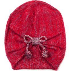 Czapka damska W trzech odsłonach czerwona. Czarne czapki zimowe damskie marki BIG STAR, z gumy. Za 49,91 zł.