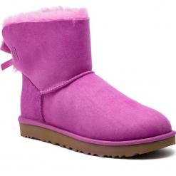 Buty UGG - W Mini Bailey Bow II 1016501  W/Bdc. Szare buty zimowe damskie marki Ugg, z materiału, z okrągłym noskiem. Za 839,00 zł.