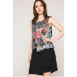 Desigual - Sukienka. Szare sukienki mini Desigual, na co dzień, l, z materiału, casualowe, z okrągłym kołnierzem, proste. W wyprzedaży za 199,90 zł.