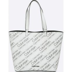 Calvin Klein - Torebka. Szare torebki klasyczne damskie marki Calvin Klein, z materiału, duże. W wyprzedaży za 479,90 zł.