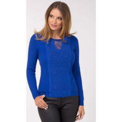 Swetry klasyczne damskie: Sweter z ażurowym zdobieniem II