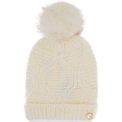 Czapka GUESS - AW6801 WOL01 M OFF. Białe czapki zimowe damskie marki Guess, z aplikacjami, z materiału. Za 169,00 zł.