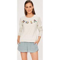 Only - Bluza Millie. Szare bluzy z nadrukiem damskie marki ONLY, s, z bawełny, z okrągłym kołnierzem. W wyprzedaży za 89,90 zł.