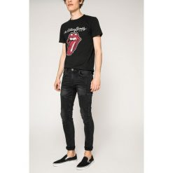 Medicine - Jeansy Rock & Roll Never Ends. Czarne jeansy męskie relaxed fit MEDICINE. W wyprzedaży za 79,90 zł.
