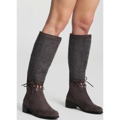 Ciemnoszare Kozaki Paint It Black. Szare buty zimowe damskie vices, na płaskiej podeszwie. Za 89,99 zł.