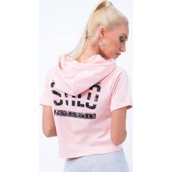 T-shirt z aplikacją na plecach jasnoróżowy 7299. Szare t-shirty damskie marki Sinsay, l, z dekoltem na plecach. Za 39,20 zł.