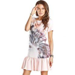 Sukienki hiszpanki: Sukienka w kolorze jasnoróżowym ze wzorem
