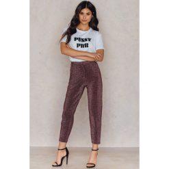 Spodnie z wysokim stanem: NA-KD Party Brokatowe spodnie z wysokim stanem – Pink