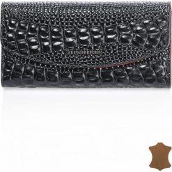 Skórzany portfel z ozdobną fakturą 19cmx9cm. Szare torebki klasyczne damskie Monnari. Za 114,50 zł.