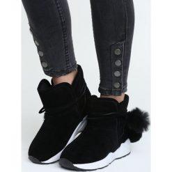 Czarne Śniegowce Diamond Heart. Czerwone buty zimowe damskie marki Reserved, na niskim obcasie. Za 59,99 zł.