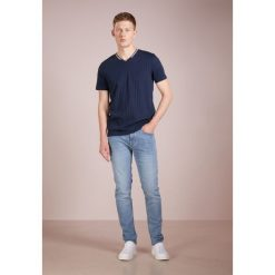 BOSS CASUAL DELAWARE Jeansy Slim Fit blue. Niebieskie jeansy męskie relaxed fit BOSS Casual, z bawełny. Za 539,00 zł.
