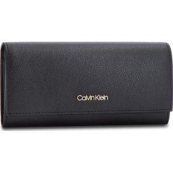 Duży Portfel Damski CALVIN KLEIN - Frame Large Trifold K60K604498 001. Czarne portfele damskie marki Calvin Klein, ze skóry ekologicznej. Za 299,00 zł.