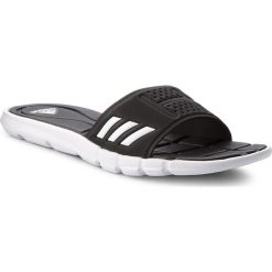 Klapki adidas - adipure Cf BB4558  Cblack/Ftwwht/Cblack. Czarne chodaki damskie Adidas, z materiału. Za 129,00 zł.