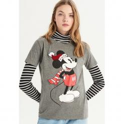 T-shirt z aplikacją Mickey Mouse - Szary. Szare t-shirty damskie Sinsay, l, z aplikacjami. Za 39,99 zł.