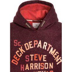 Scotch Shrunk HOODY WITH COLOURFUL CONTRAST INTERNAL & ARTWORK Bluza z kapturem bordeaux melange. Czerwone bluzy chłopięce rozpinane marki Scotch Shrunk, z bawełny, z kapturem. W wyprzedaży za 247,20 zł.