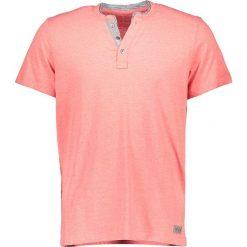 """T-shirty męskie: Koszulka """"Henley"""" w kolorze koralowym"""