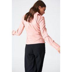 NA-KD Asymetryczna koszula ze sznurkiem - Pink. Zielone koszule damskie marki Emilie Briting x NA-KD, l. Za 60,95 zł.