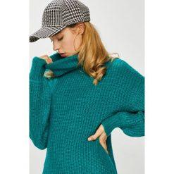 Noisy May - Sweter Gerda. Zielone golfy damskie Noisy May, l, z dzianiny, z krótkim rękawem. W wyprzedaży za 119,90 zł.