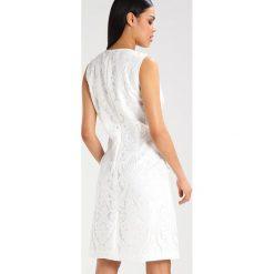 Sukienki hiszpanki: Young Couture by Barbara Schwarzer Sukienka koktajlowa ivory