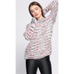 Różowy Sweter In The Beginning. Czerwone swetry klasyczne damskie Born2be, xl, ze stójką. Za 44,99 zł.