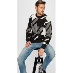 Tommy Hilfiger - Sweter. Szare swetry klasyczne męskie TOMMY HILFIGER, l, z bawełny, z okrągłym kołnierzem. W wyprzedaży za 459,90 zł.