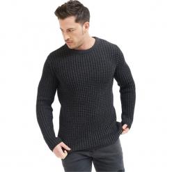 Sweter w kolorze szarym. Szare swetry klasyczne męskie marki True Prodigy, l, z okrągłym kołnierzem. W wyprzedaży za 139,95 zł.