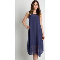 Granatowa luźna sukienka z szyfonu  BIALCON. Czerwone sukienki asymetryczne marki bonprix. W wyprzedaży za 245,00 zł.