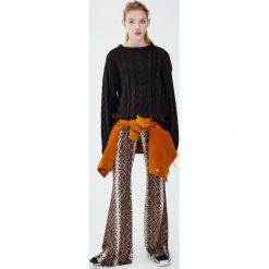 Sweter z warkoczami. Szare swetry klasyczne damskie Pull&Bear. Za 79,90 zł.