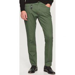 Rurki męskie: Spodnie slim fit – Zielony