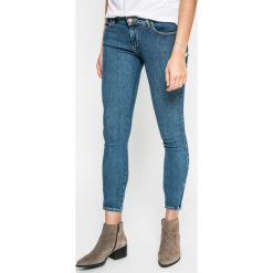 Wrangler - Jeansy Crop Zip. Niebieskie jeansy damskie rurki Wrangler, z aplikacjami, z bawełny. W wyprzedaży za 229,90 zł.