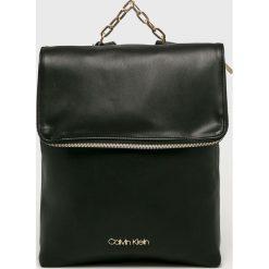 Calvin Klein - Plecak. Czarne plecaki damskie Calvin Klein, z materiału. Za 629,90 zł.