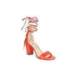 Sandały Katy Perry  THE PIERRA. Brązowe sandały damskie marki Etro. Za 398,30 zł.