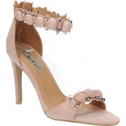 Sandały różowe na obcasie z ozdobami Casu 58-552. Czerwone sandały damskie Casu, na obcasie. Za 49,99 zł.