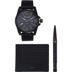 Police PLSPECIALSET Zegarek black. Czarne, analogowe zegarki męskie Police. Za 839,00 zł.