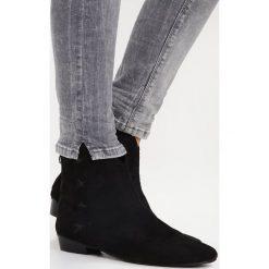 LTB GEORGET Jeansy Slim Fit silvermoon wash. Szare jeansy damskie marki LTB, z bawełny. W wyprzedaży za 167,40 zł.